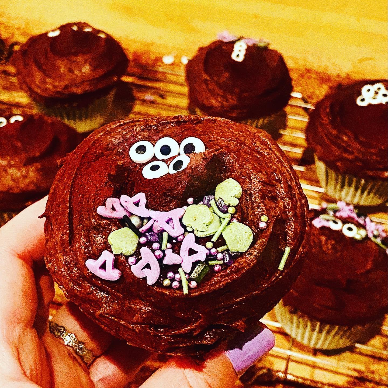 Matcha and chocolate halloween cupcakes
